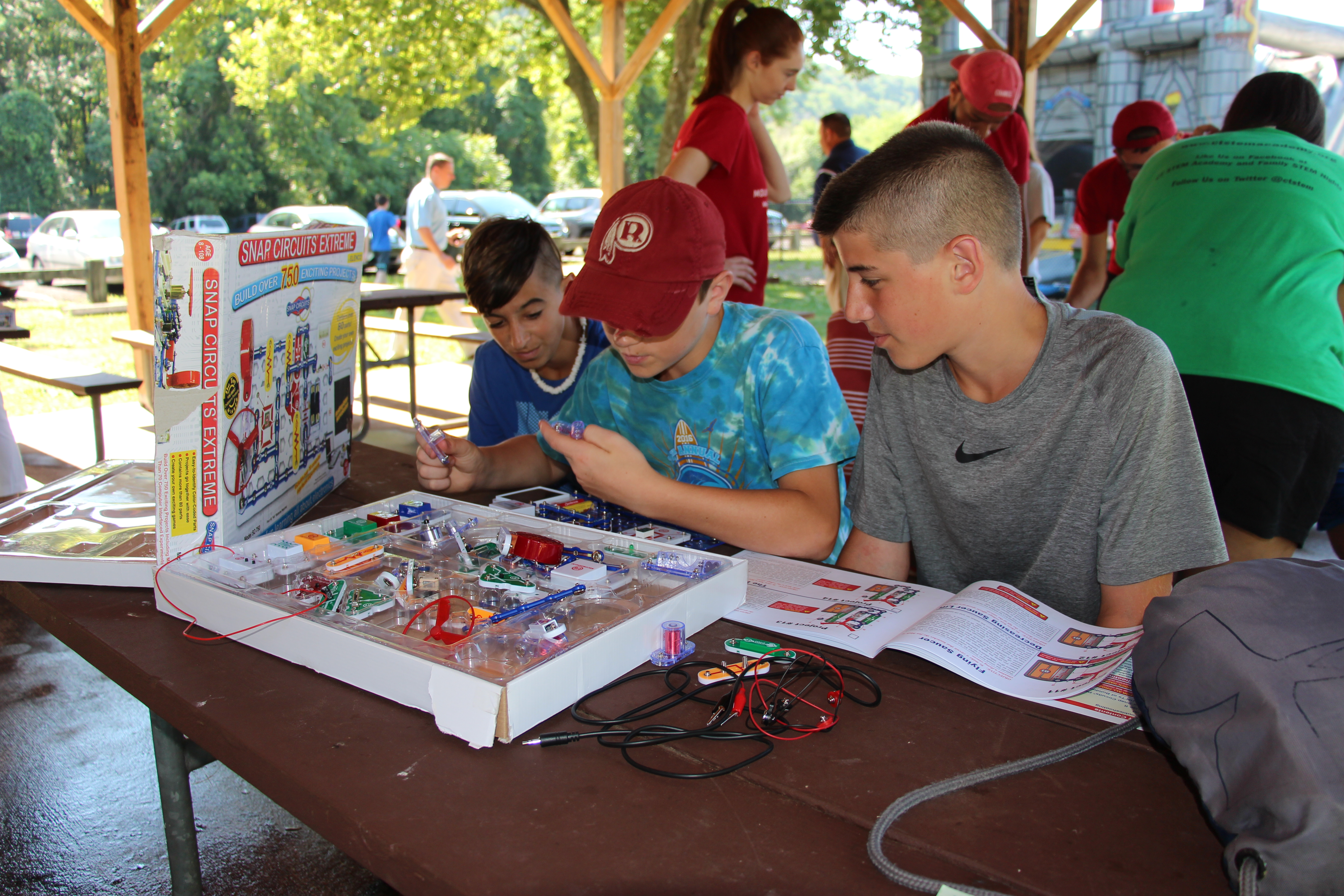 Stem Learn About Electronics With Snap Circuits Junior